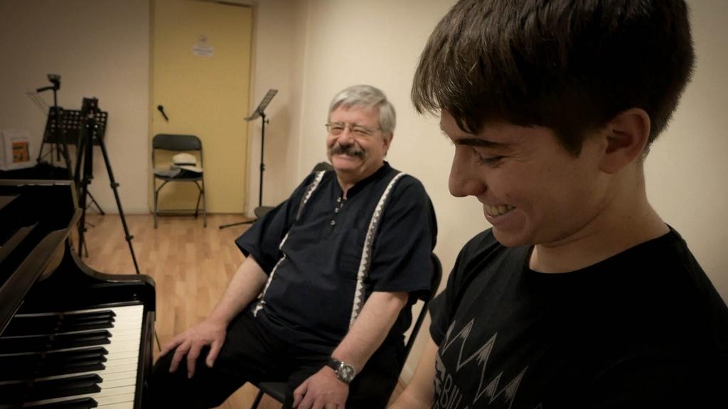 El compositor Miguel Bustamente y el pianista Marín Rayo